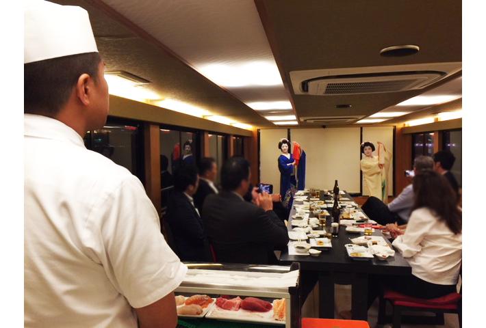 振り袖さんと寿司職人